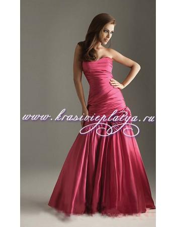 Длинное вечернее красное платье с цветком