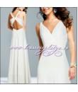 Длинное белое платье c красивым вырезом на спине