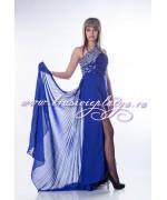 Синее вечернее платье со шлейфом