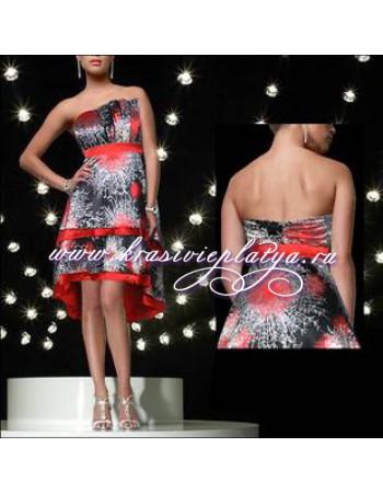 Красное коктейльное платье без бретелей