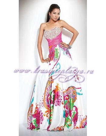 Длинное атласное платье с принтом