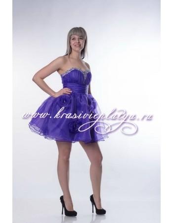 Фиолетовое короткое пышное платье с камнями и цветами