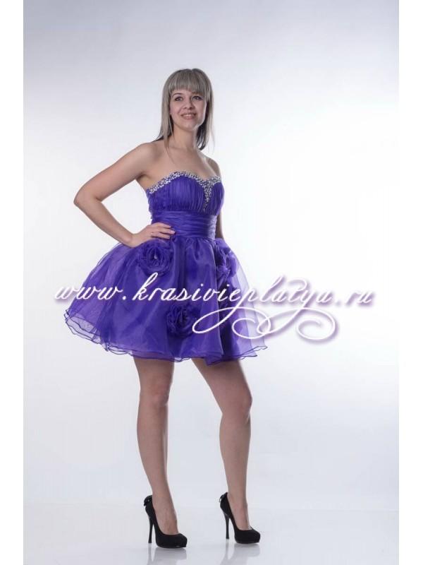 877c3afb4c8 Фиолетовое короткое пышное платье с камнями и цветами